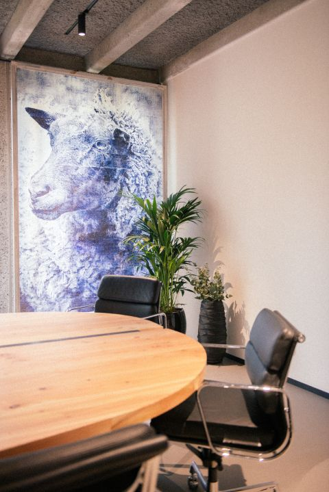 Oval meeting room - Fosbury and Sons Boitsfort - coworking Brussels